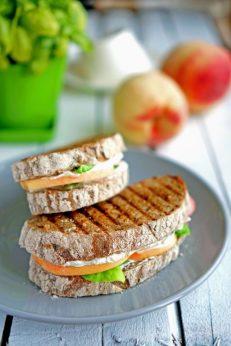 Сендвич с персиками и рикоттой на гриле, пошаговый фото рецепт, кулинарный блог