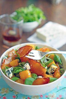 Салат с персиками гриль, голубым сыром и зеленью, пошаговый фото рецепт, кулинарный блог
