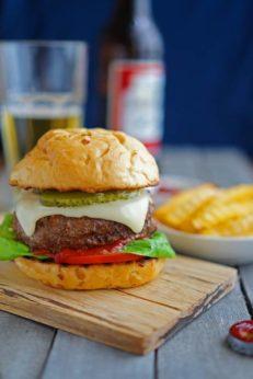Гамбургер Джейми Оливера, котлета с пивом, пошаговый фото рецепт