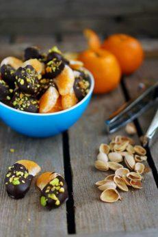 Мандариновые дольки в шоколаде с фисташками, пошаговый фото рецепт, кулинарный блог andychef.ru