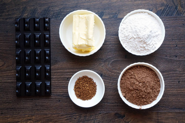 Шоколадные капкейки с кофейным кремом, пошаговый фото рецепт, кулинарный блог andychef.ru