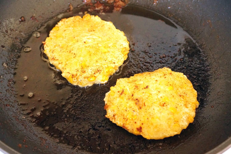 Кукурузные фриттеры с авокадо, пошаговый рецепт с фото, кулинарный блог andychef.ru