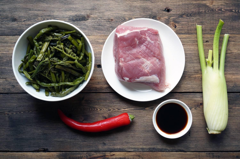 Острая свинина с папоротником, пошаговый фото рецепт, кулинарный блог и интернет-магазин andychef.ru