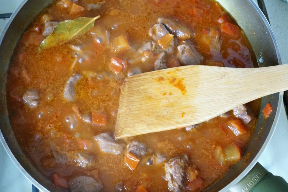 Как приготовить мясное рагу с итальянским акцентом, пошаговый рецепт с фото, фуд-блог и   интернет-магазин с доставкой по России, andychef.ru