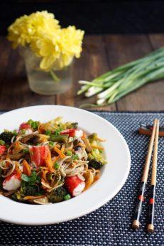 Гречневая лапша с овощами и морепродуктами, пошаговый рецепт с фото, фуд-блог и интернет-магазин с доставкой по России andychef.ru
