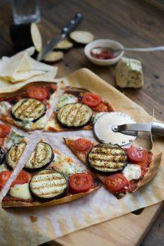 Быстрая пицца за пять минут, с баклажанами, пошаговый рецепт с фото, блог и интернет-магазин с доставкой по России, andychef.ru