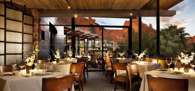 32 ресторана и бара с потрясающими видами на город, море, горы. Гид путешественника, лучшие места для посещения в мире.