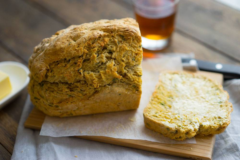 Быстрый хлеб на пиве с базиликом, пошаговый рецепт с фото, блог и интернет-магазин с доставкой по России andychef.ru