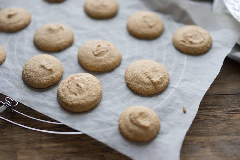 Как приготовить миндальное печенье на безе и меренге, пошаговый рецепт с фото, блог о еде и путешествиях, интернет-магазин с доставкой по России, andychef.ru