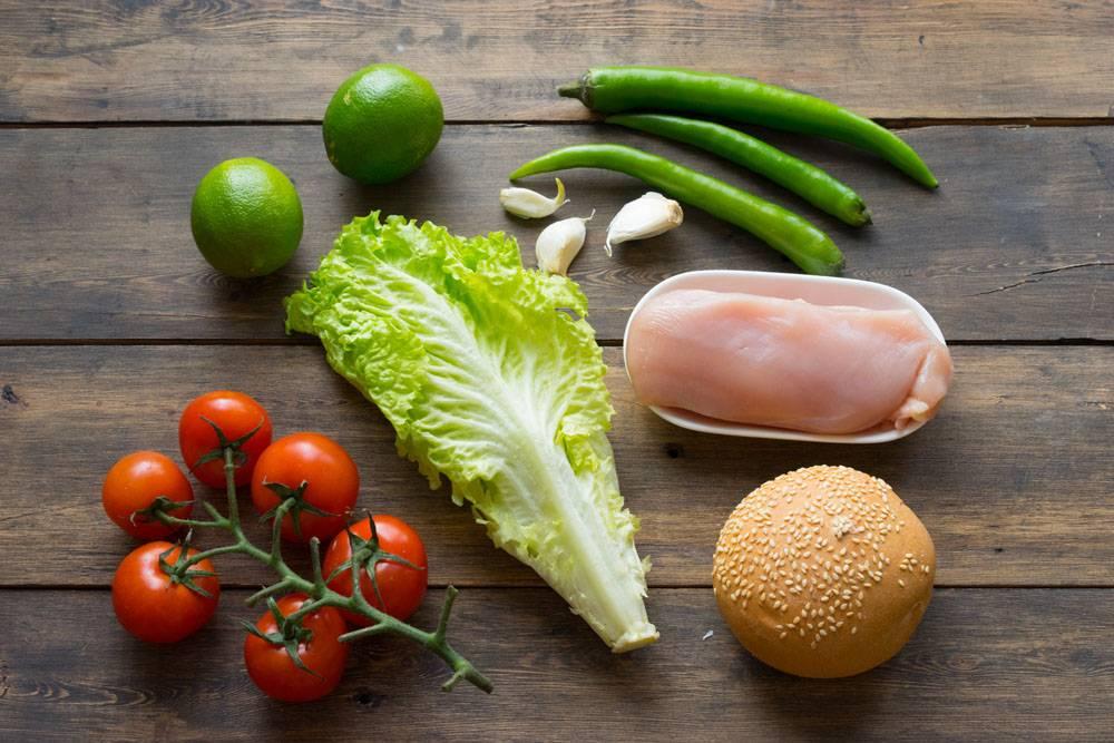 Гамбургер с курицей и очень острым соусом, пошаговый рецепт с фото, блог и интернет-магазин с доставкой по России, andychef.ru