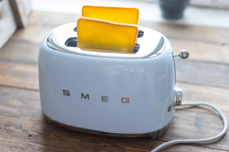 Дизайнерская бытовая техника SMEG, обзор тостера, итальянская компания, блог и интернет-магазин, andychef.ru