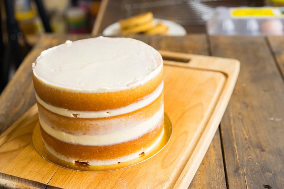 Как приготовить крем для бисквитного торта?