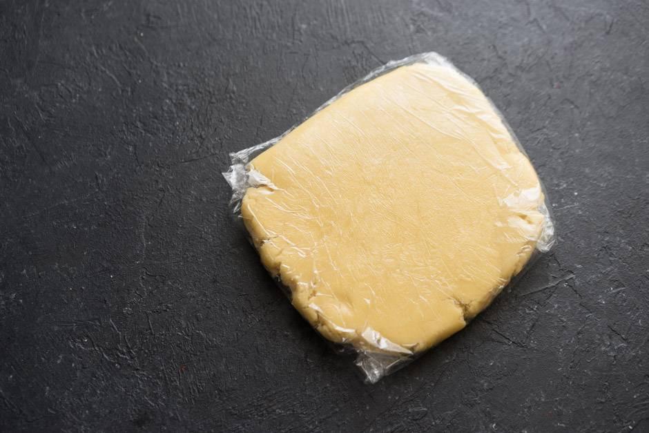 """приготовление пирожного """"Бейзи Фрейз"""""""