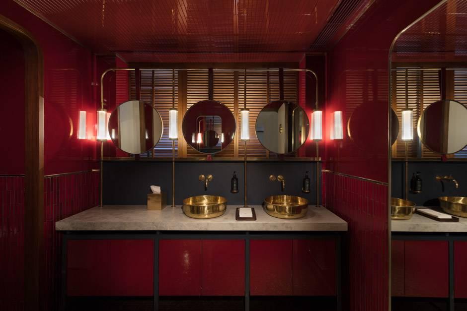10.Reception Bathroom