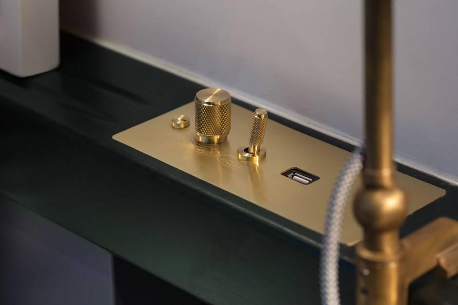 31. Light switch